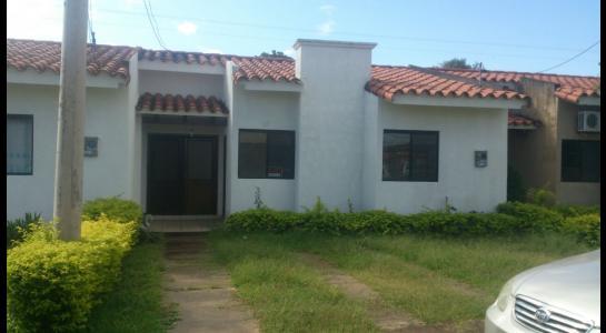Casa en Alquiler AVENIDA BANZER Km 9 Foto 1