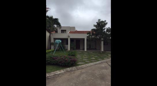 Casa en Alquiler AV. BENI Y 5 ANILLO Foto 1