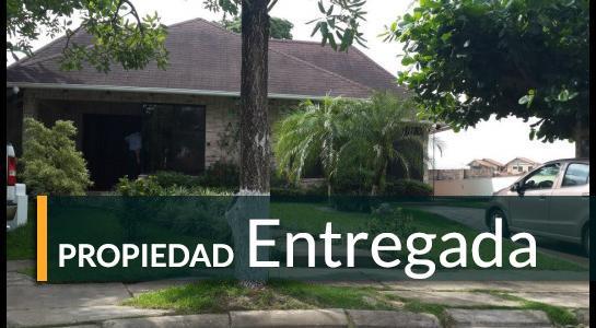 Casa en Alquiler Urbanización Ciudad Jardín,6.to Anillo al Norte cerca de la UCEBOL Foto 1