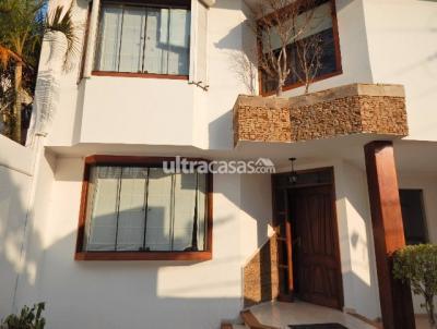 Casa en Alquiler en Santa Cruz de la Sierra 3er Anillo Este BARRIO URBARI,SOBRE LA AV. BARRIENTOS