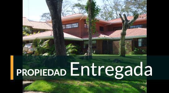 Casa en Alquiler COLINAS DEL URUBO SECTOR 2 Foto 1
