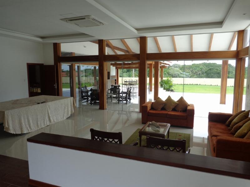 Casa en Venta Espectacular Casa en venta Condominio Colinas II Urubo Foto 2