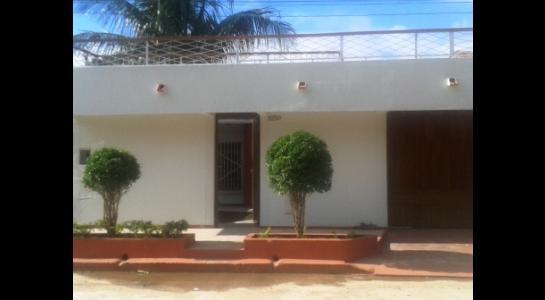 Casa en Alquiler ALEMANA ENTRE 5TO Y SEXTO ANILLO FRENTE A BIBLIOTECA MUNICIPAL TODO CON ASFALTO. Foto 1