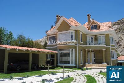 Casa en Alquiler en La Paz Mallasa CLUB DE GOLF, MALLASILLA