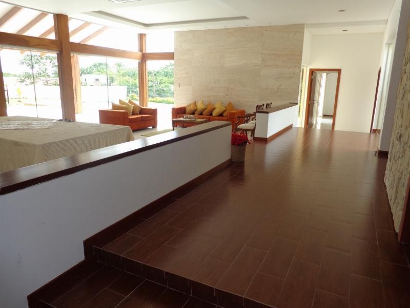 Casa en Venta Espectacular Casa en venta Condominio Colinas II Urubo Foto 5