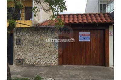 Casa en Venta en Santa Cruz de la Sierra 1er Anillo Norte Teniente Balcázar