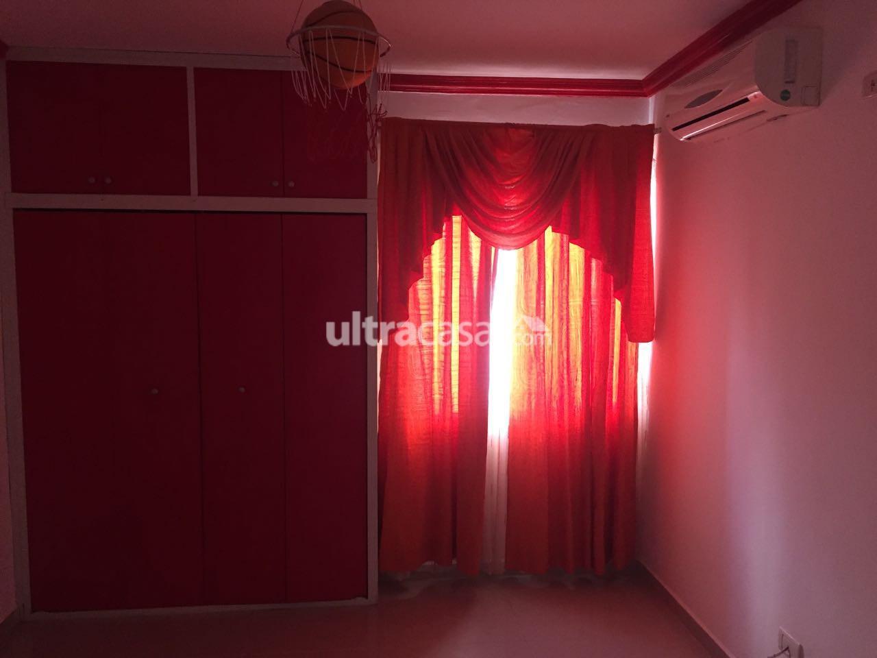 Casa en Venta Av. Banzer km, 10, condominio Sevilla Las Terazas I, calle San Pedro Oeste 24. Foto 4