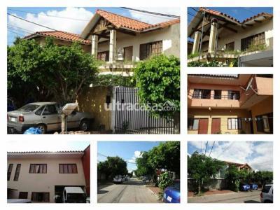 Casa en Venta en Santa Cruz de la Sierra 4to Anillo Oeste Zona las palmas