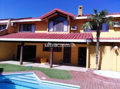 Casa en Venta en Santa Cruz de la Sierra Equipetrol Barrio Sirari