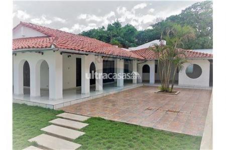Casa en Alquiler Av. Banzer, 6to anillo, calle Claracuta Foto 8