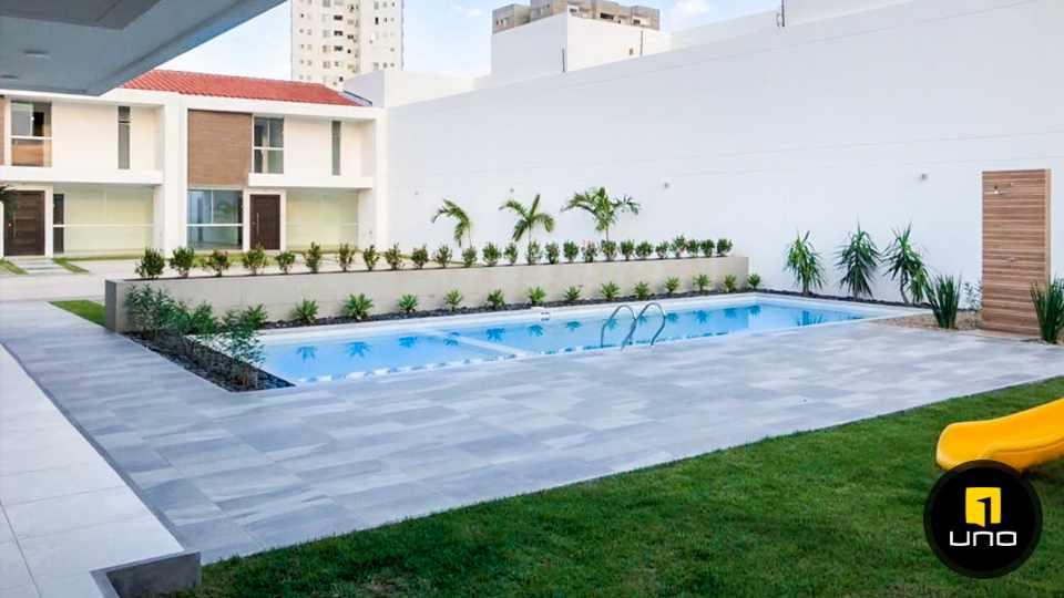 Casa en Venta En Condominio al Norte/5to Anillo vendo 2 casas a estrenar Foto 3