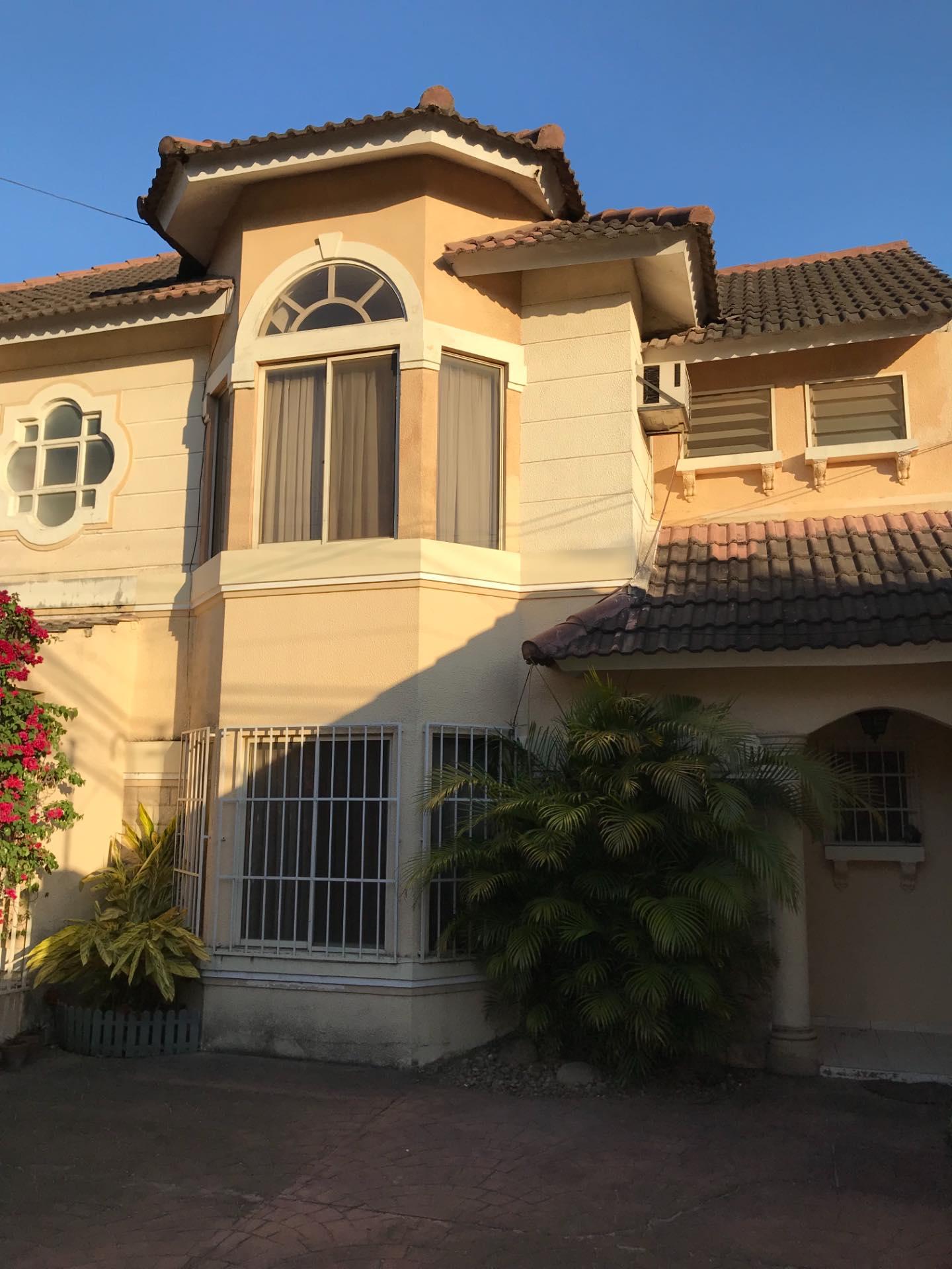 Casa en Alquiler Av. La Barranca barrio El Trompillo Alcaya #300 esq. Zoilo flores  Foto 4