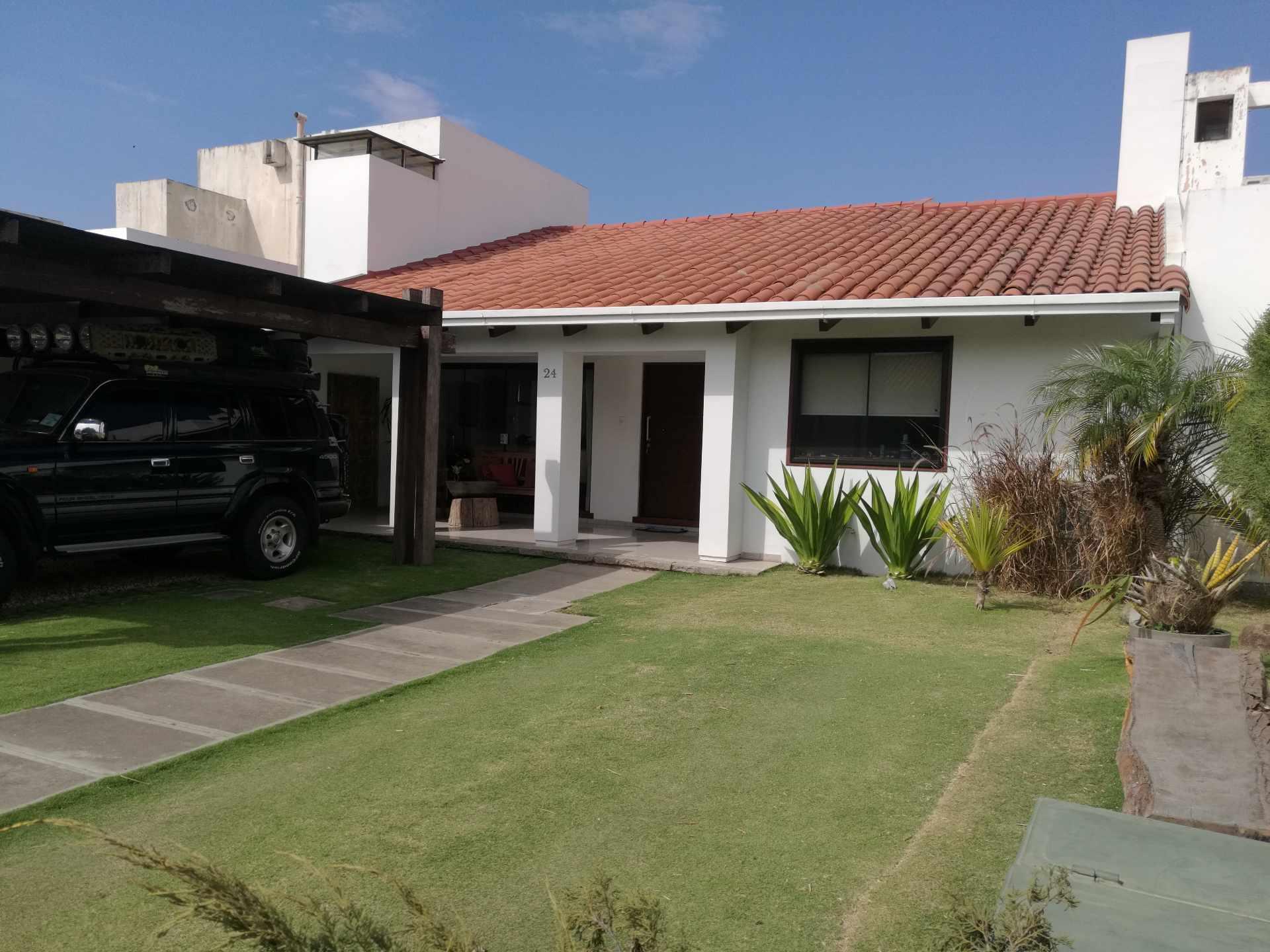 Casa en Venta Condominio La Hacienda I 5to anillo entre Av Cristo Redentor y Av. Beni Foto 10