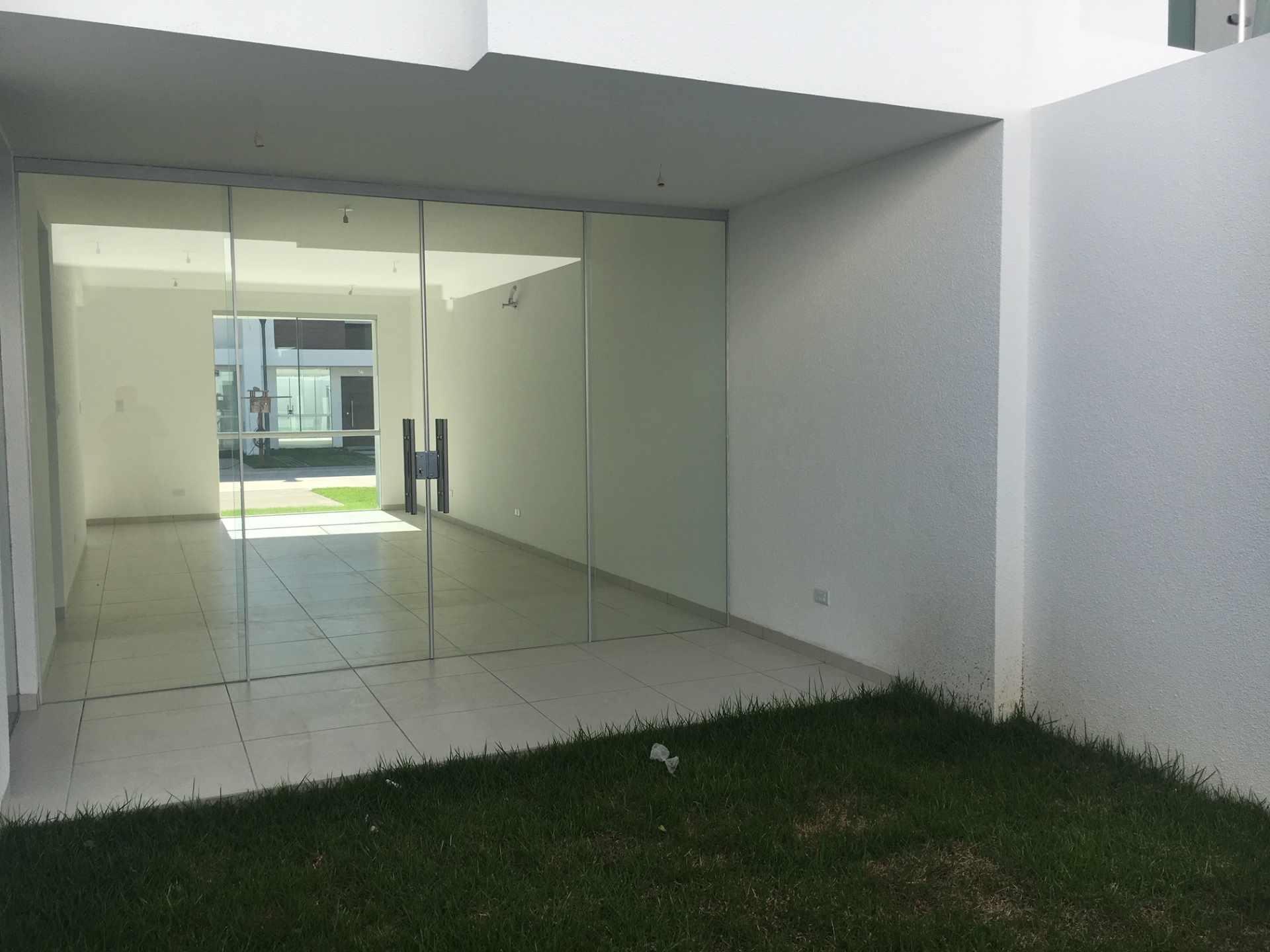 Casa en Venta Zona Norte 5to Anillo En Condominio Cerrado Foto 8