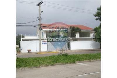 Casa en Alquiler en Santa Cruz de la Sierra 2do Anillo Norte Ovidio Barbery