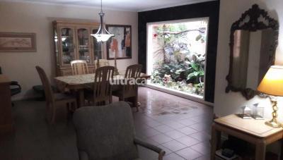 Casa en Venta en Santa Cruz de la Sierra 3er Anillo Oeste Av El Palmar Calle 2 # 3070