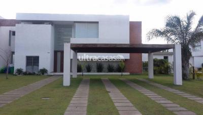 Casa en Alquiler en Santa Cruz de la Sierra Urubó CONDOMINIO LOS BATOS DEL URUBO
