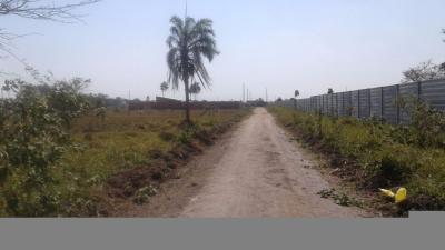 Terreno en Venta en Warnes Parque Industrial Latinoamericano urb. gran paititi