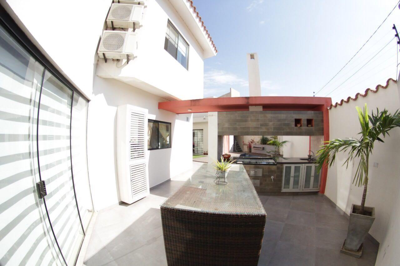 Casa en Venta Av. Banzer entre 7mo. y 8vo. anillo Foto 13