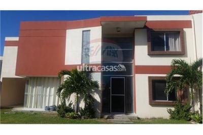 Casa en Venta en Santa Cruz de la Sierra 5to Anillo Este