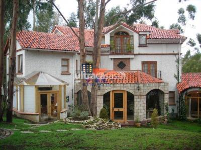 Casa en Alquiler en La Paz Obrajes OBRAJES