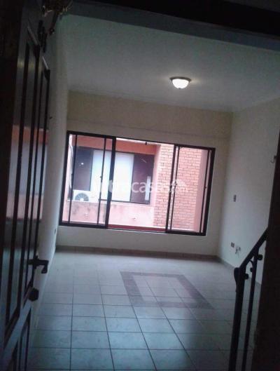 Departamento en Alquiler en Santa Cruz de la Sierra 2do Anillo Este Calle Charcas 1235 . Condominio Carolina, casi segundo anillo y Av. Canal Cotoca