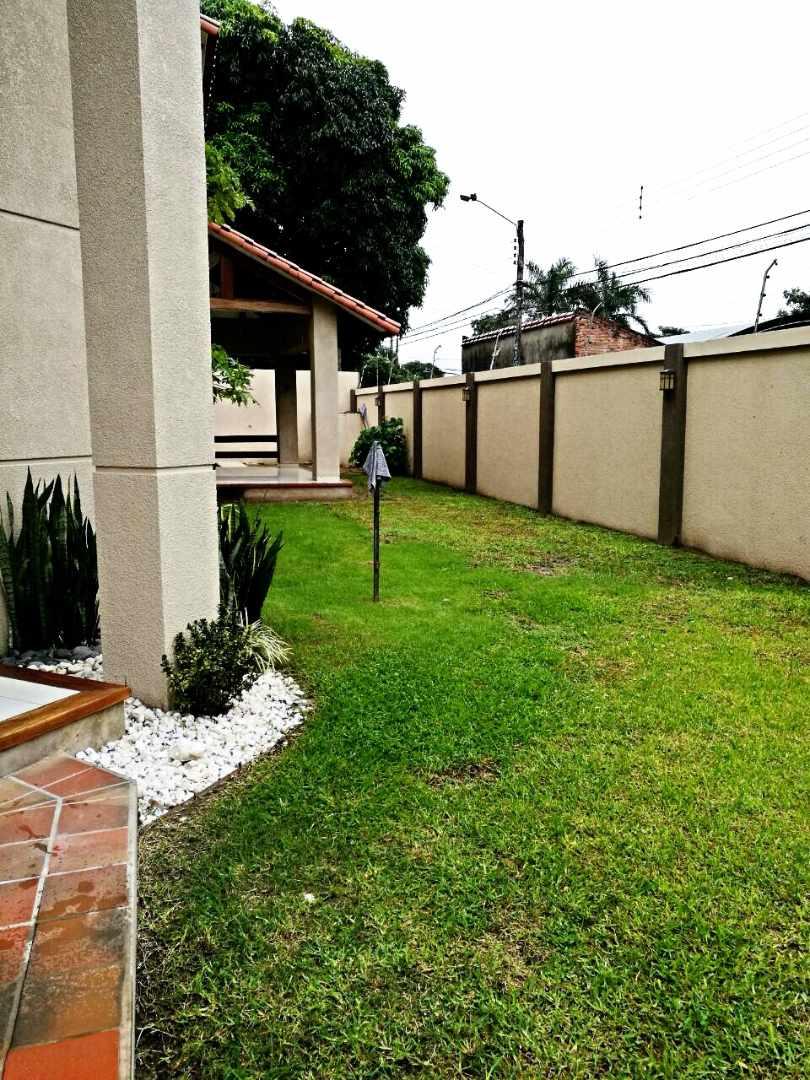 Casa en Alquiler Barrio Aeronáutico Calle Pauro #300 Foto 3