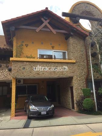 Casa en Venta en Santa Cruz de la Sierra 2do Anillo Oeste CONDOMINIO EXCLUSIVO EN EQUIPETROL