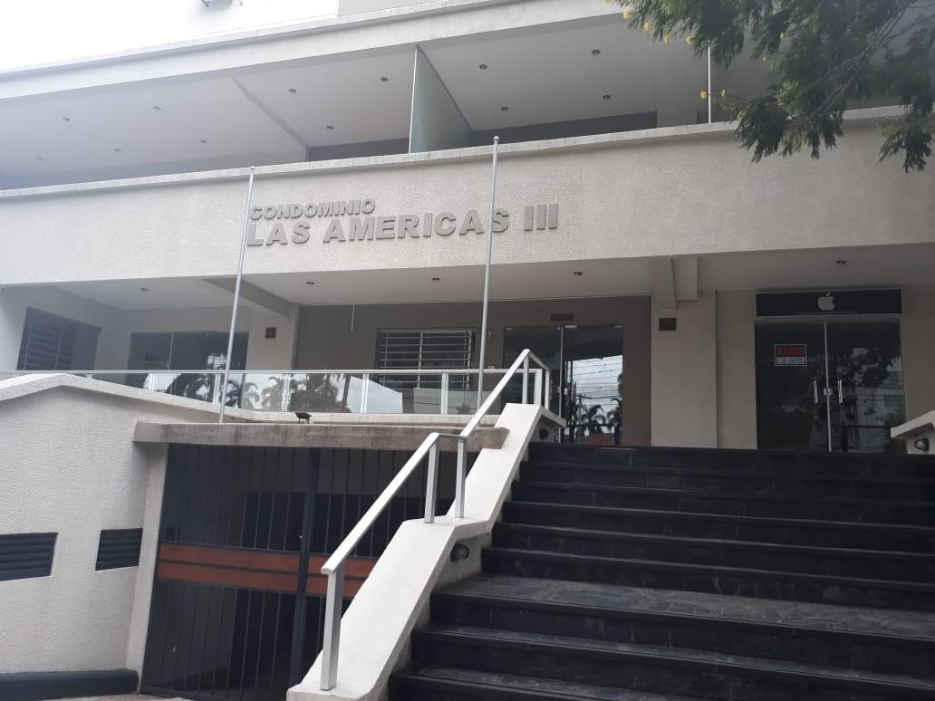 Departamento en Alquiler Calle La Paz, casi esquina Av. Irala Foto 1