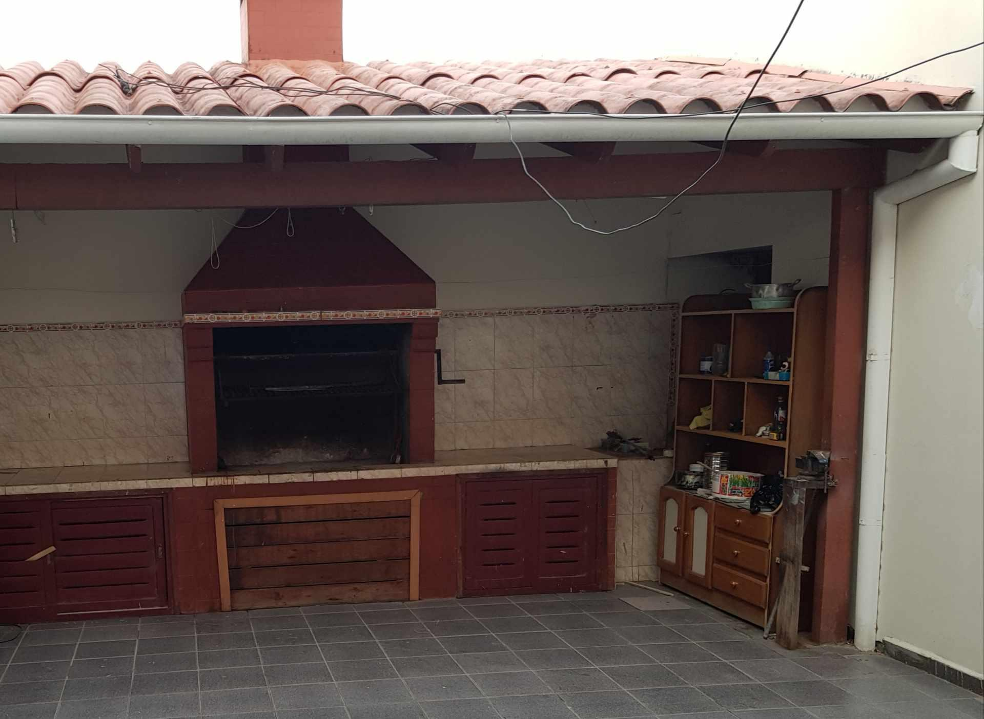 Casa en Venta AV. SUAREZ ARANA, 1 CUADRA ANTES DEL 2DO ANILLO Foto 3