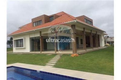Casa en Alquiler en Santa Cruz de la Sierra Urubó Colinas del Urubo