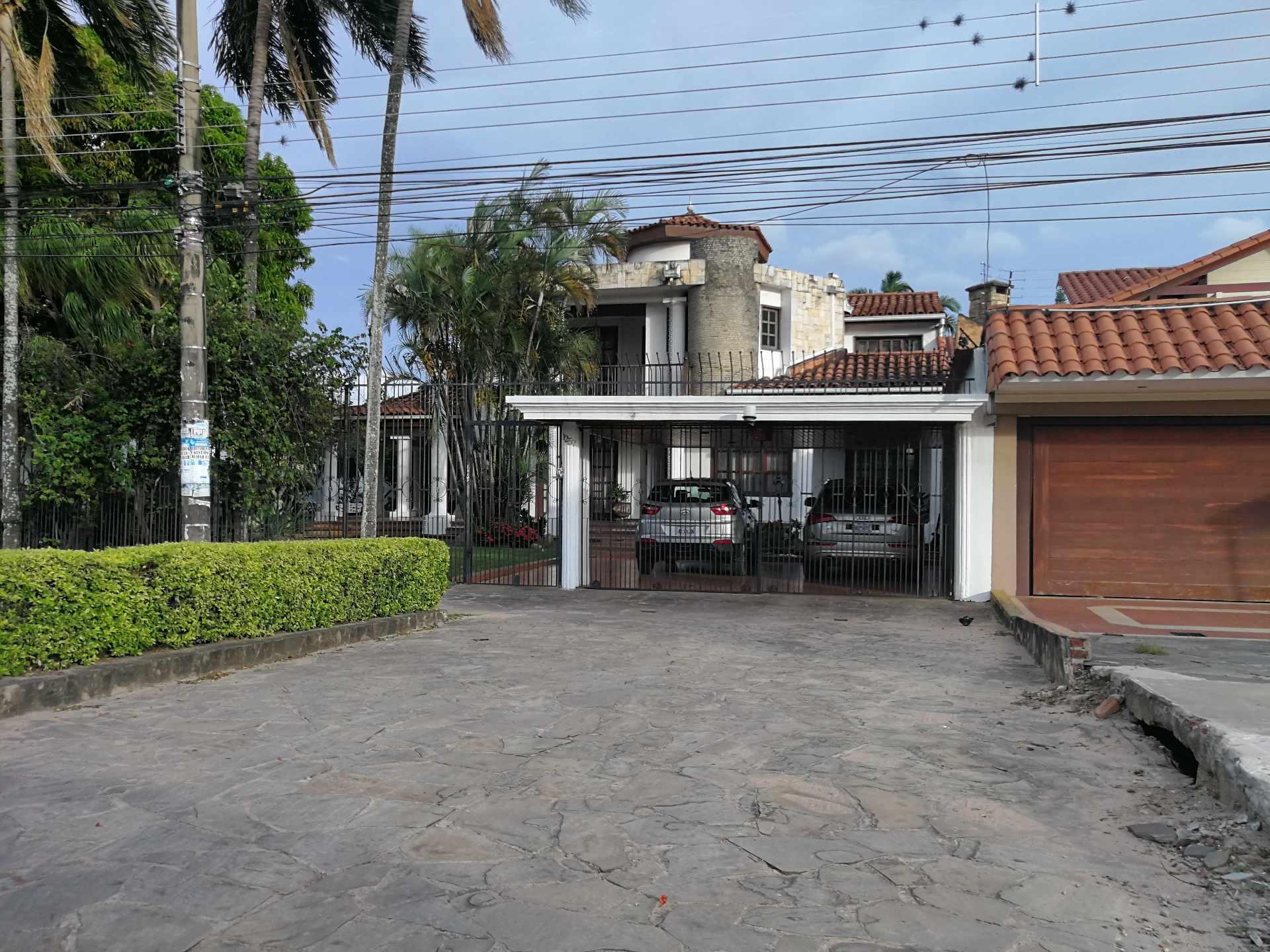 Casa en Venta ZONA SUR - SOBRE SOBRE SEGUNDO ANILLO PARQUE URBANO Foto 19