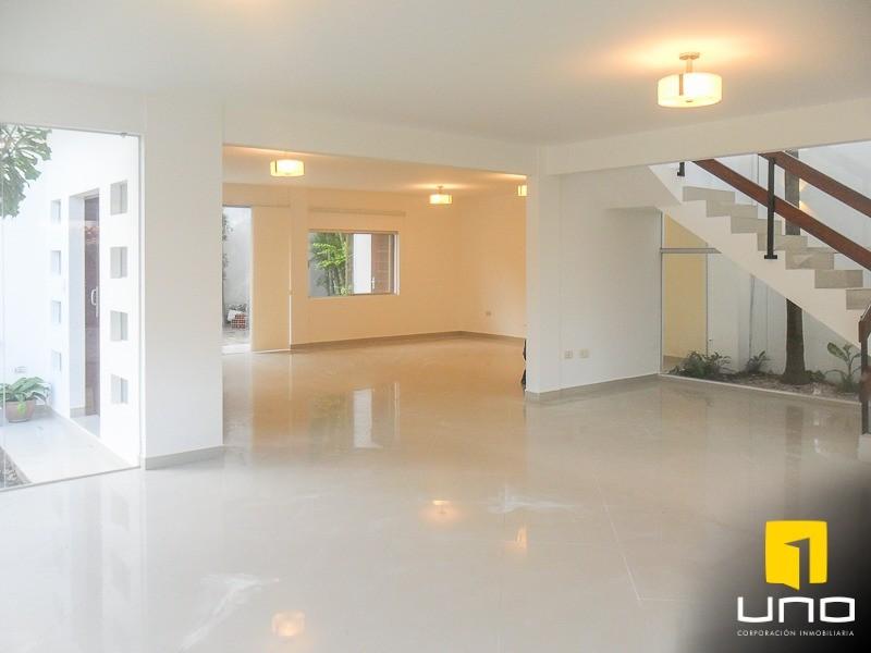 Casa en Alquiler Zona Urubo, dentro de exclusivo condominio Foto 14