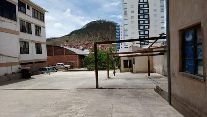 Terreno en Venta BARRIO PETROLERO, AV. LAS AMERICAS, CALLE MÉXICO. Foto 3