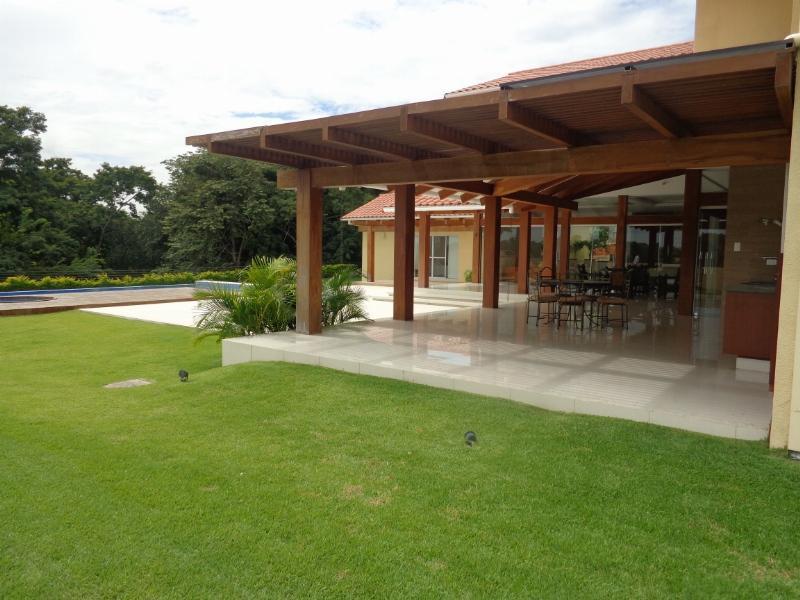 Casa en Venta Espectacular Casa en venta Condominio Colinas II Urubo Foto 4