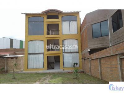 Casa en Venta en Cochabamba Villa Taquiña Edificio y Terreno con 4 garzoniers en Trojes