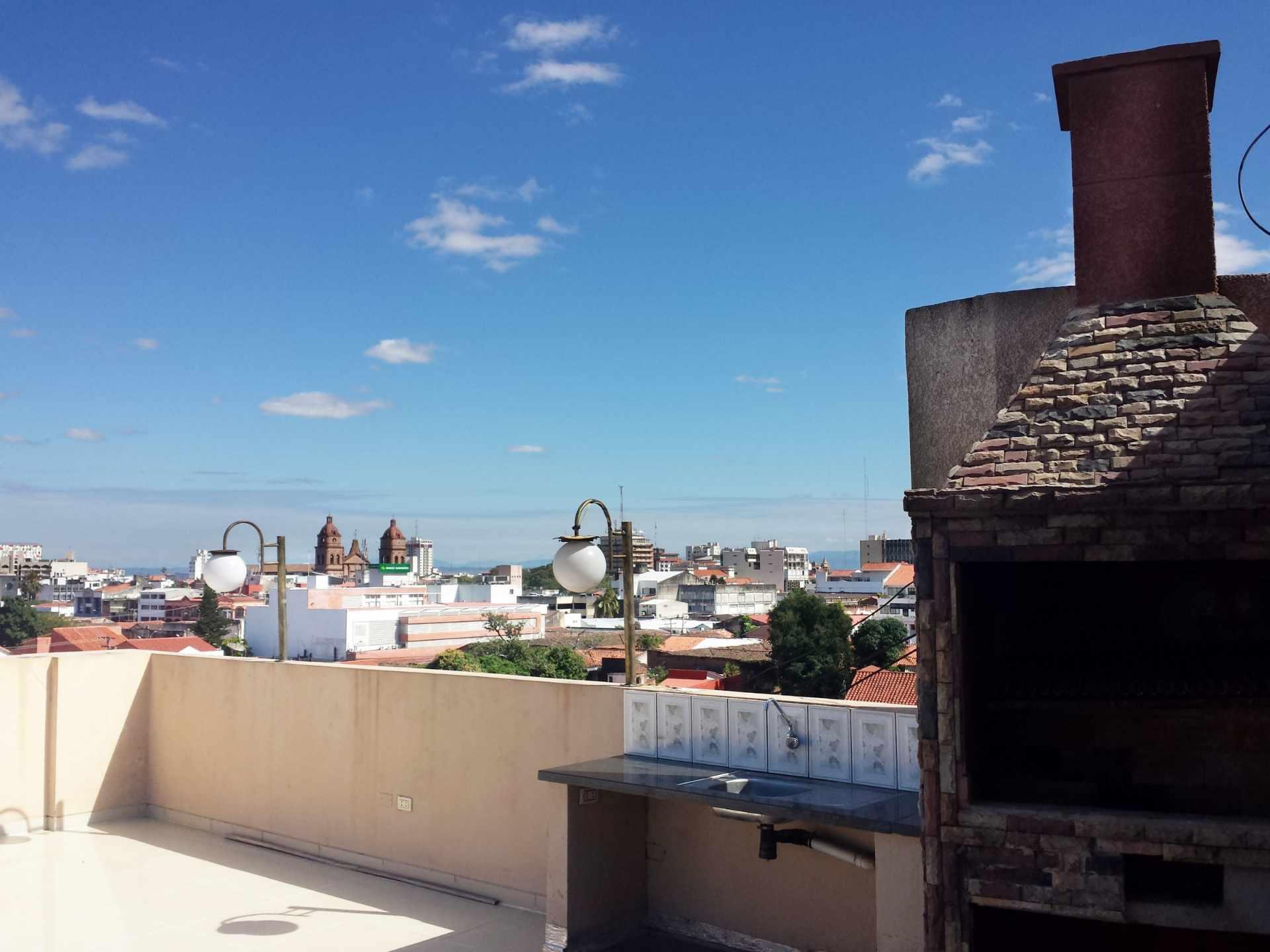 Departamento en Alquiler Calle Charcas # 269 Entre Aroma y Murillo  Foto 2