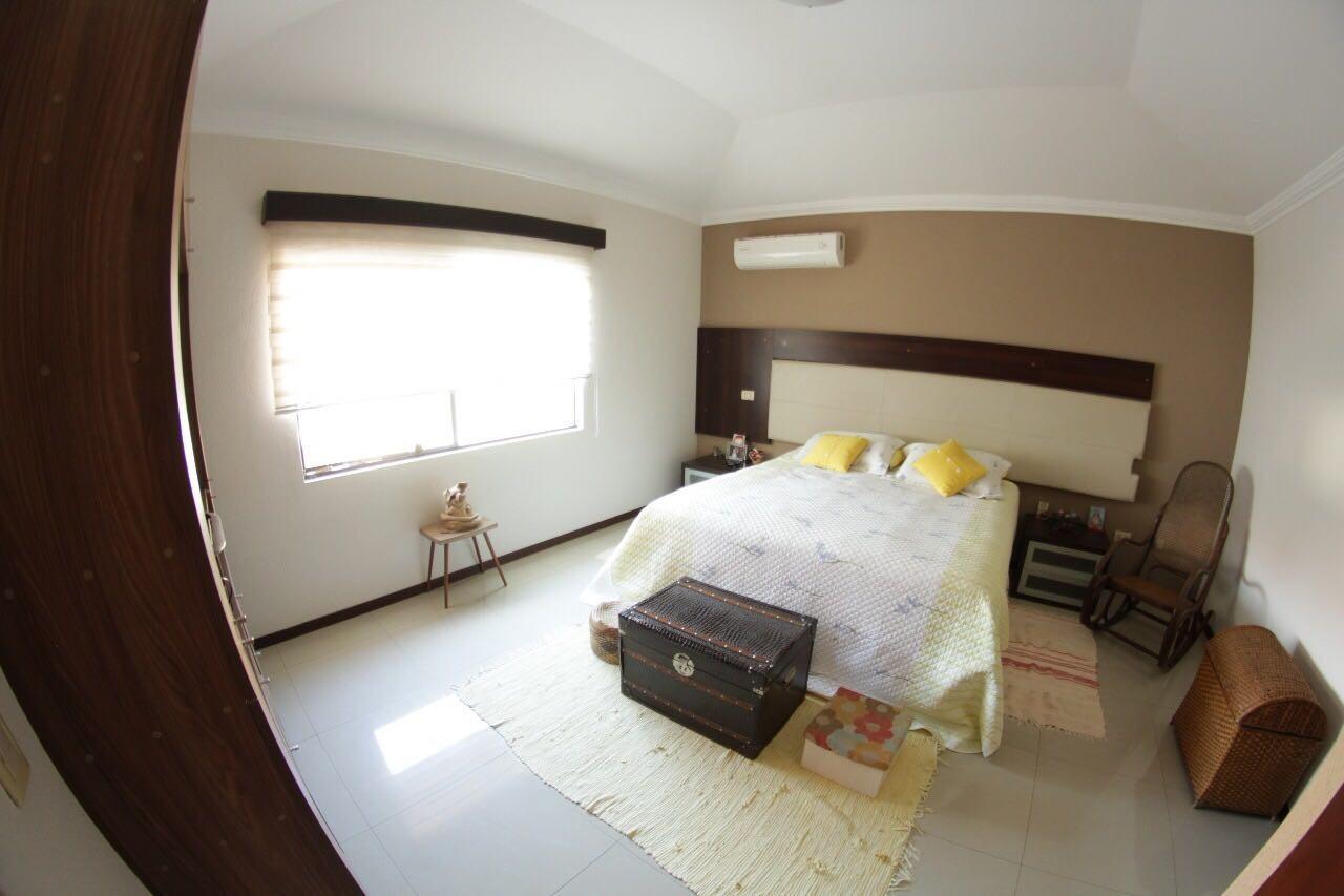 Casa en Venta Av. Banzer entre 7mo. y 8vo. anillo Foto 6
