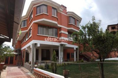 Casa en Venta en La Paz Cota Cota Entrando por la calle 35 de cotacota pasando Diverland.