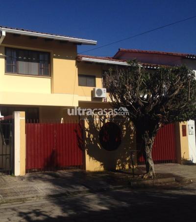 Casa en Alquiler en Santa Cruz de la Sierra 1er Anillo Este Sirari Calle las Begonias Y Claveles Nº 211