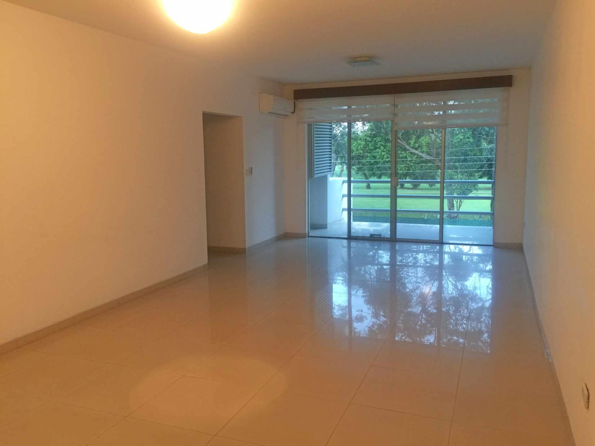 Departamento en Alquiler Calle Yaguarú, Condominio Las Palmas Residence Foto 8