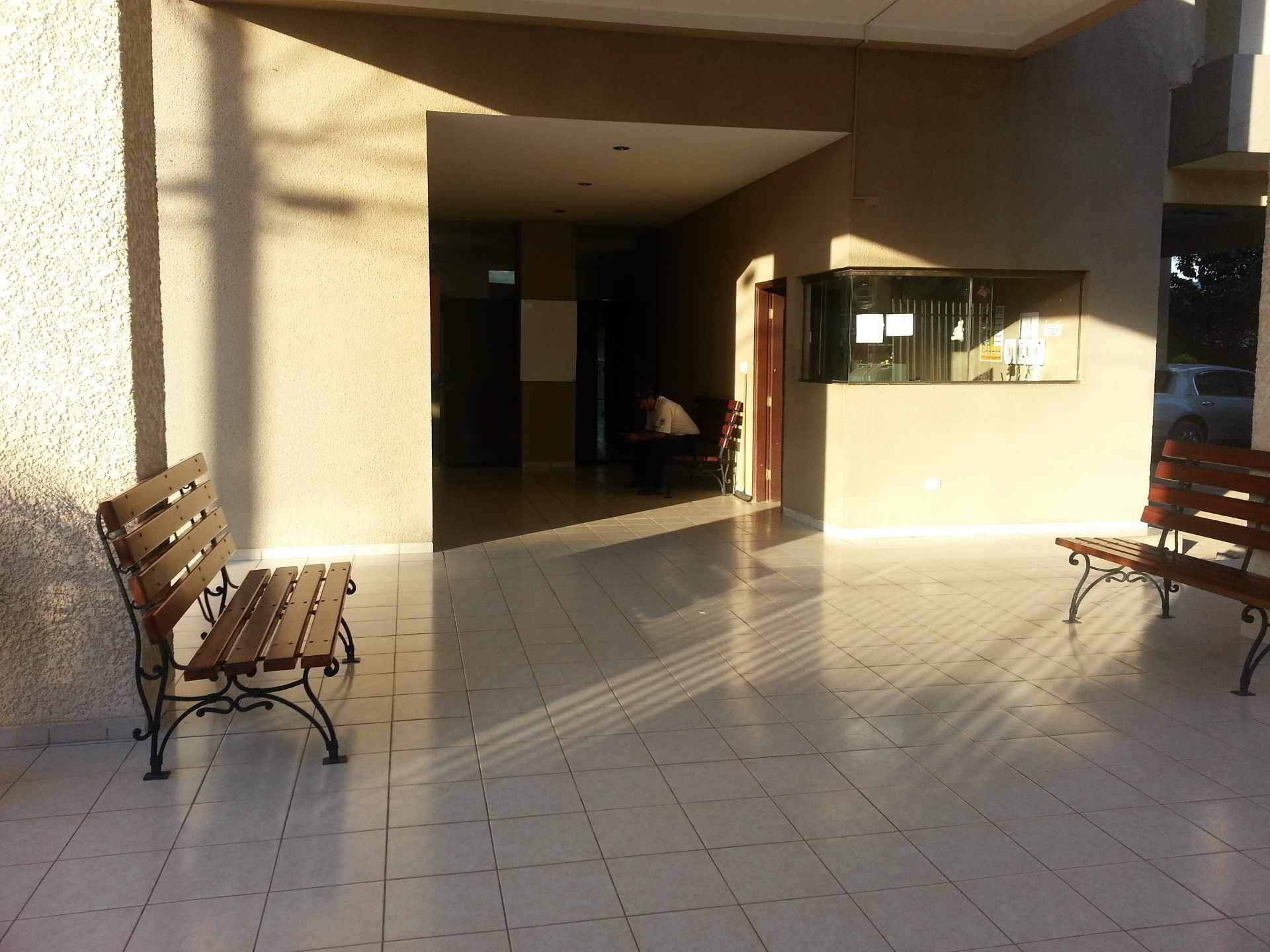 Departamento en Alquiler Entre 4to y 5to anillo, entre Av Beni y Banzer, Condominio Santa Maria I Foto 4