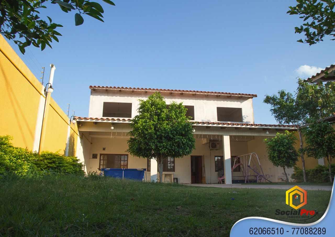 Casa en Venta URB. EL PALMAR CALLE 3 ENTRE 7MO Y 8VO ANILLO ZONA ZUR Foto 2