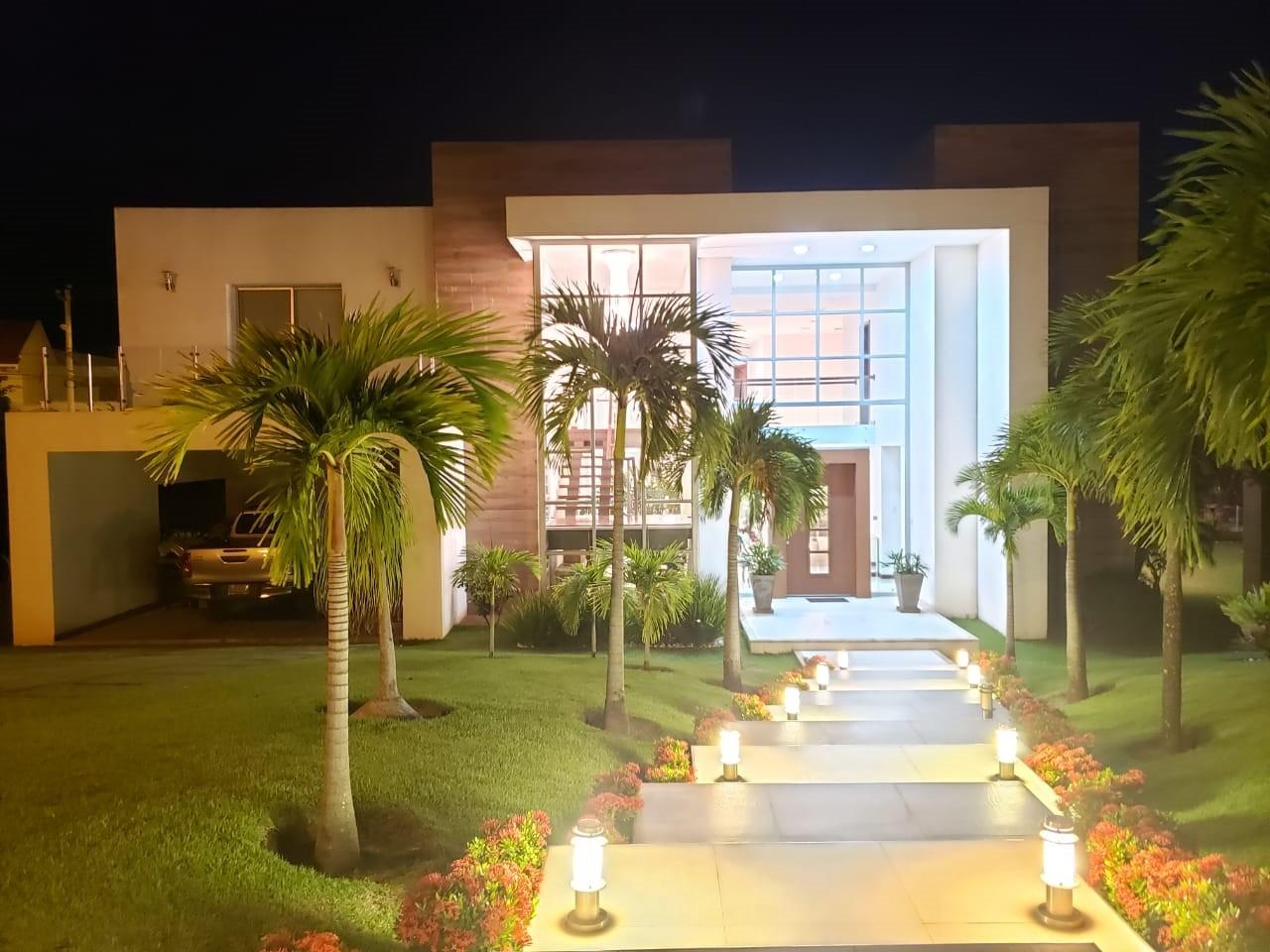 Casa en Venta HERMOSA CASA EN VENTA EN COLINAS DEL URUBO S2 Foto 1