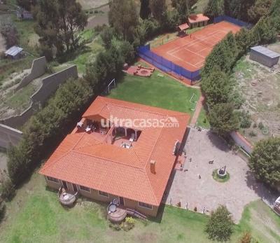 Casa en Venta en La Paz Achocalla Achocalla, a 1 cuadra del koritambo sobre la avenida