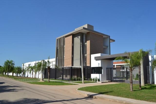 Casa en Venta Zona Norte 5to Anillo En Condominio Cerrado Foto 1