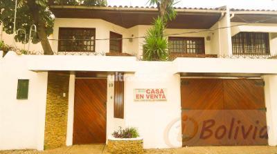 Casa en Venta en Santa Cruz de la Sierra 1er Anillo Norte Casa en Venta Av. Suarez Arana entre 1ro y 2do anillo