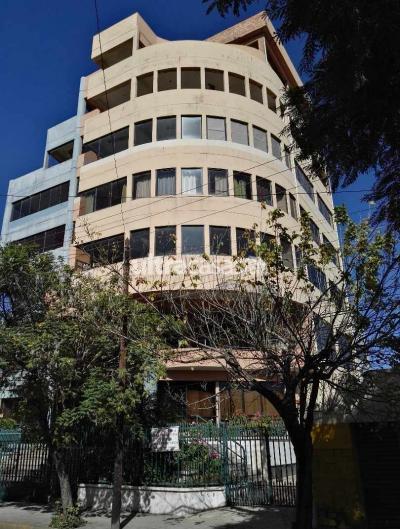 Oficina en Alquiler en Cochabamba Centro Calle Reza/Junin (Inmediaciones El Prado)