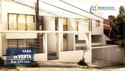 Casa en Venta en La Paz Auquisamaña CASA EN VENTA - Aquisamaña