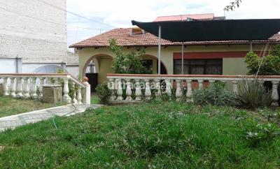Casa en Venta en Cochabamba Queru Queru CASA EN VENTA ZONA NORTE
